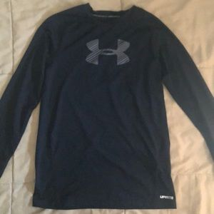 Boys under armour black top